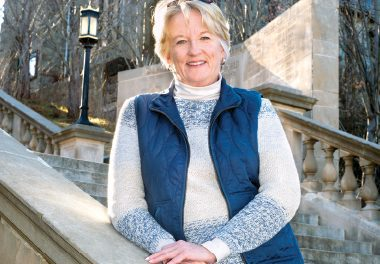 Leading Lady: Linda Jones April/May 2016
